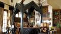 Çarpıcı Bir Dekorasyon Gotik Ev Dekorasyonu