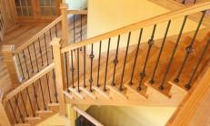 Ahşap Merdivenler Ve Villa Tasarımı