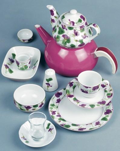 yeşil-mor-sarmaşık-desenli-güral-porselen kahvaltı takımı