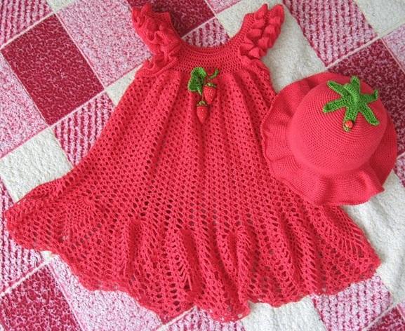 Kırmızı-renkli-çiçekli-örgü-kız-çocuk-elbise-modeli