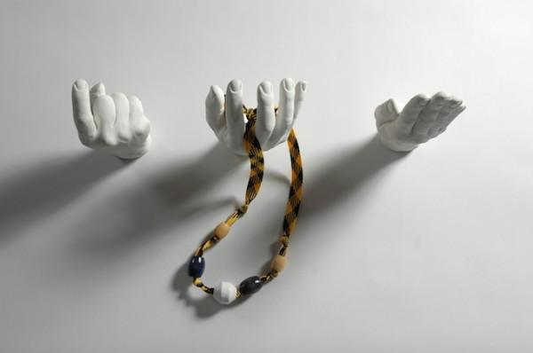 El-figürlü-ilginç-duvar-askı-örnekleri