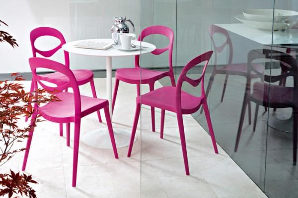 renkli balkon masaları