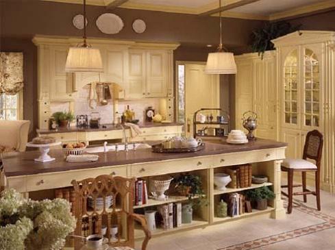 Krem-ve-ahşap-karışımı-farklı-country-mutfak-modeli