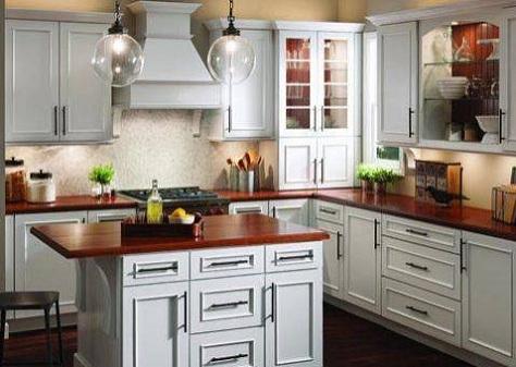 Sade-tasarımlı-beyaz-country-mutfak-çeşiti