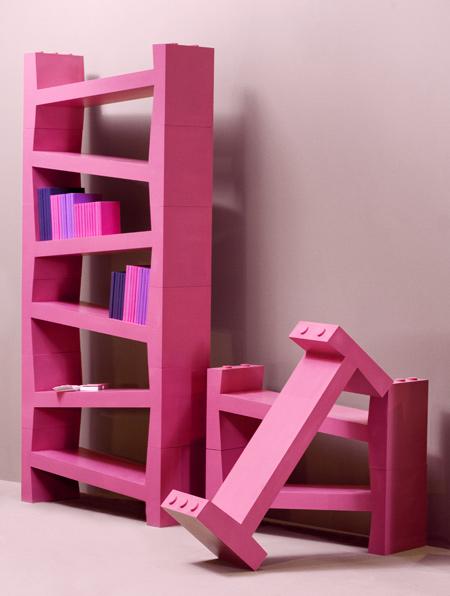 dekoratif pembe kitaplık