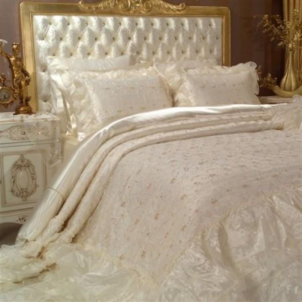 gelin-yatak-örtüsü-modelleri