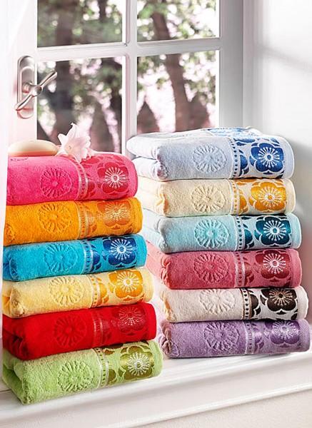 taç rengaren banyo havluları
