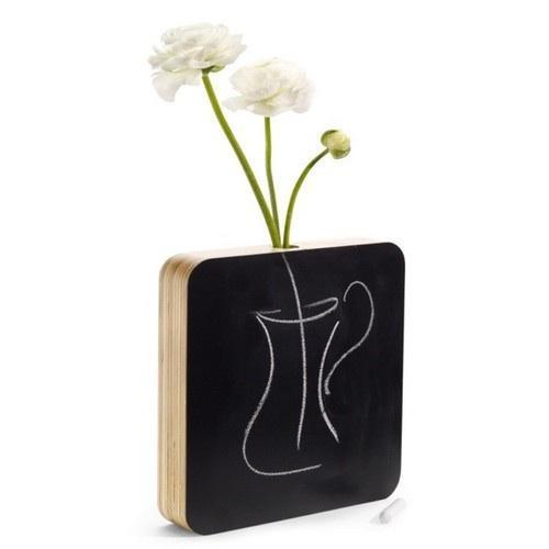 siyah-yazi-tahtasi-tasariminda-ilginc-vazo-modeli