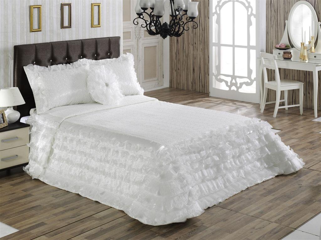 beyaz-gelin-yatak-ortusu-modeli