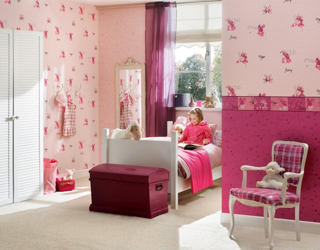 Pembe-desenli-çocuk-odası-duvar-kağıdı-örnekleri