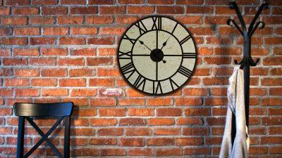 Dekorasyonda İnce Bir Detay Olan Salon Duvar Saatleri